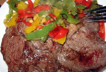 Ingwer-Chili-Paprika mit ein bißchen Fleisch